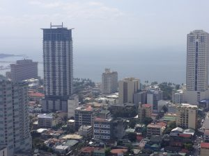 Roxas Boulevard Overlooking Manila Bay | Photo Credit: Wikipedia